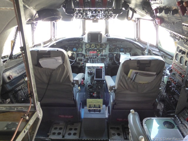 Cockpit L-1049 Super-Constellation